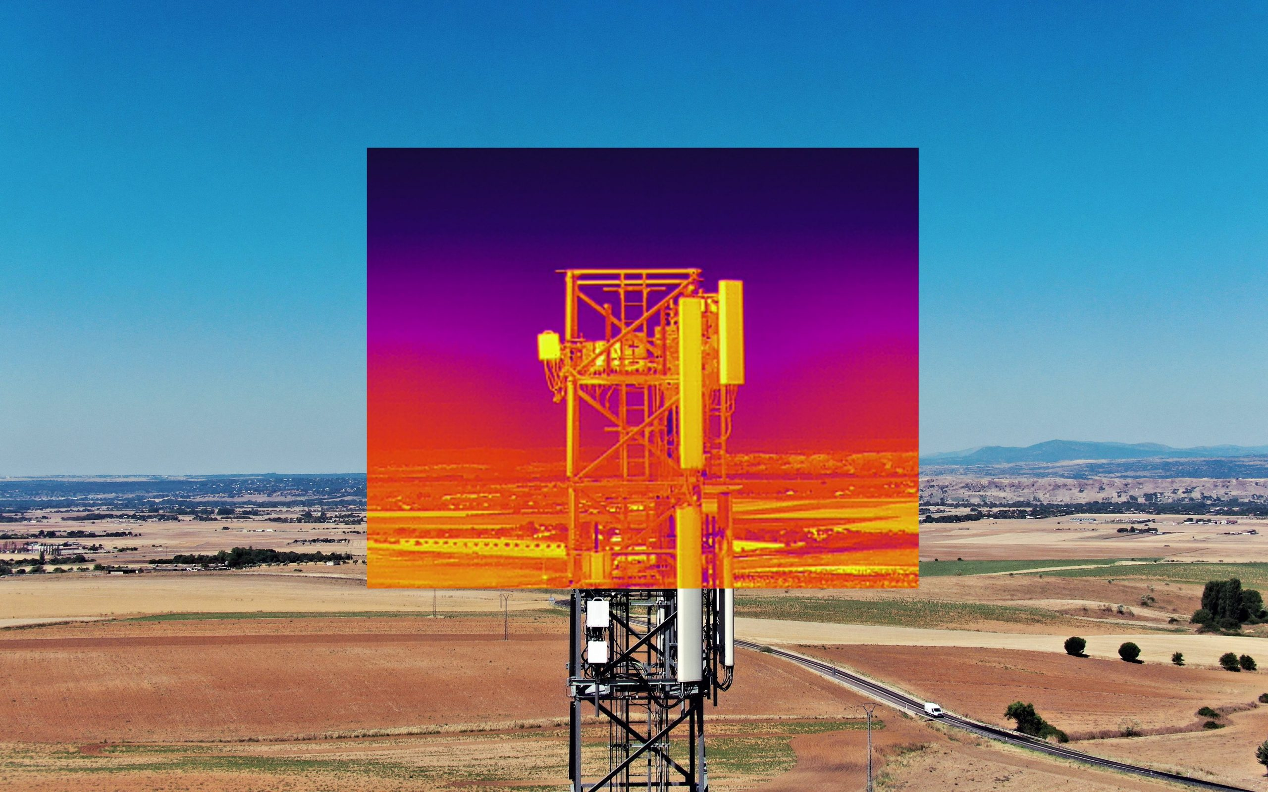 Medición de temperatura con cámara termográfica en una torre de telefonía en el Casar, Guadalajara. 2020. Drone DJI Matrice 300 RTK. ©Arialtech